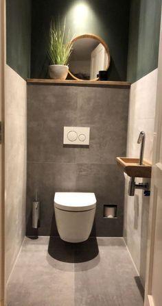 Nhà vệ sinh dưới càu thang